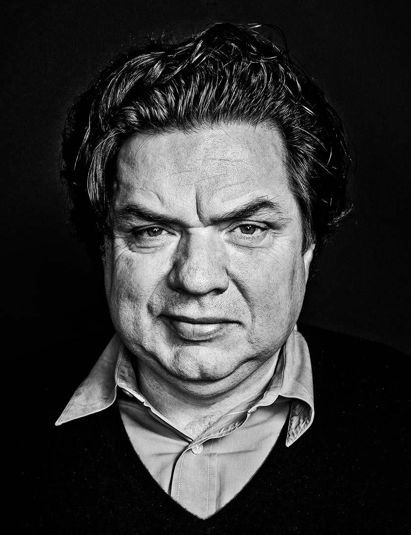 oliver platt net worth