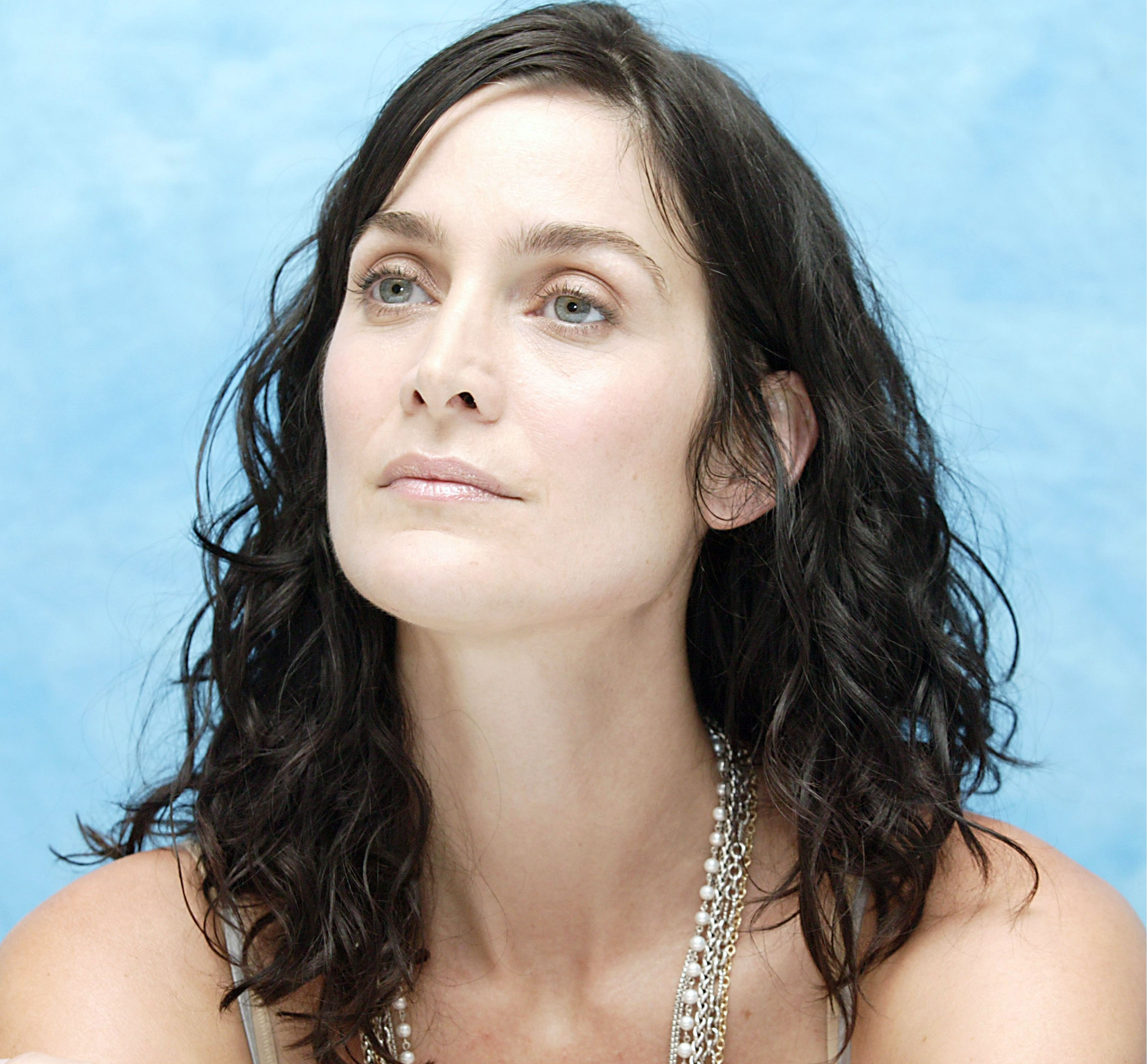 Carrie anne moss moviesque